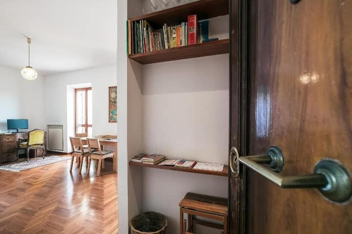 Bright 1br + wonderful terrace 3409