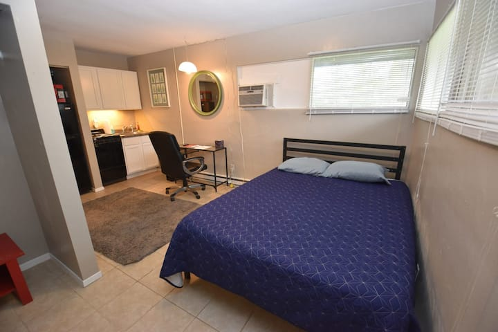 Studio apartment close to Notre Dame! (1309.3)