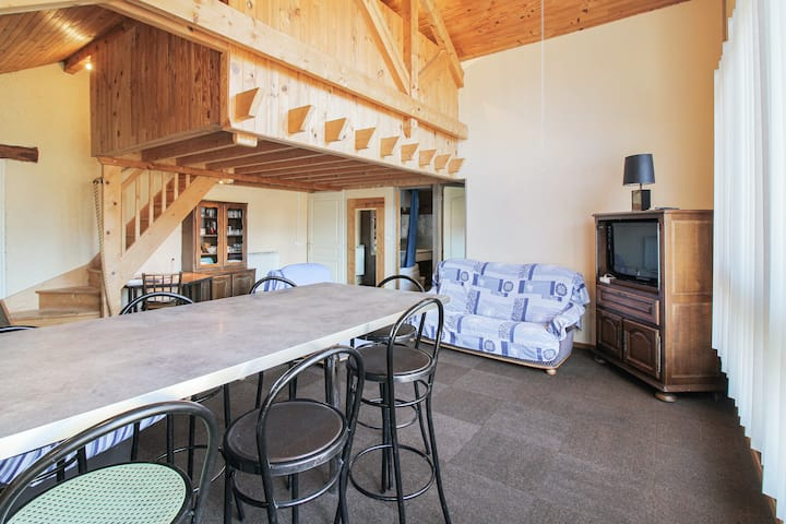 Apartment with 2 bedrooms in Échenans, with WiFi - 40 km from the slopes