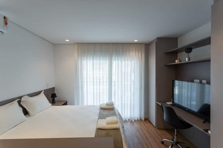 APM1302 Nice Studio With Balcony In Downtown area