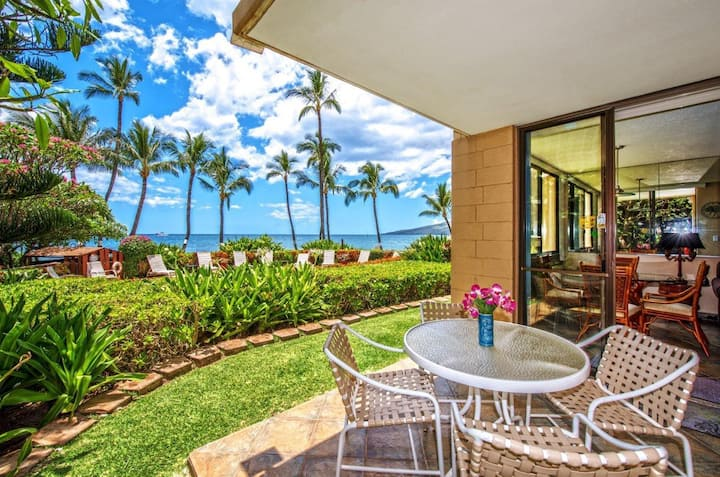 KR101-South Maui Beachfront Condo With Dramatic Ocean Views - Steps to Pool