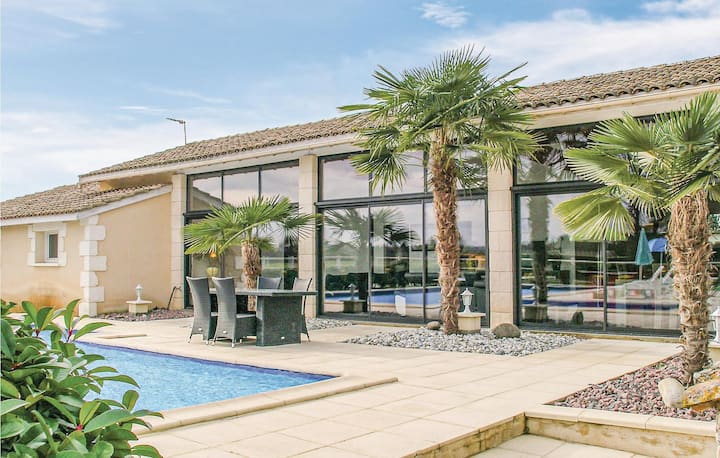 Nice home in Gardonne with Outdoor swimming pool, WiFi and 2 Bedrooms