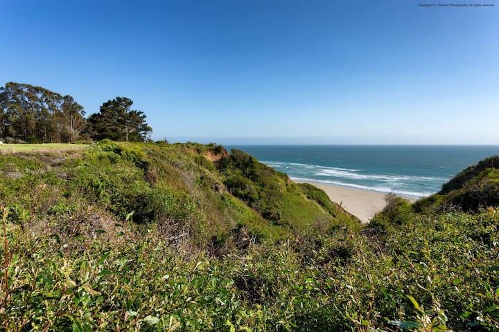Rare Oceanview Studio Seascape Resort!
