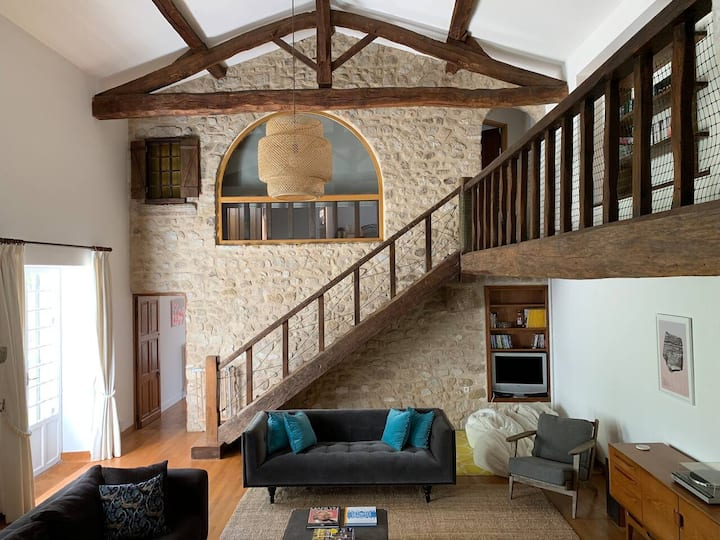 Stunning 7 bedroom house in France. Pool. BBQ.