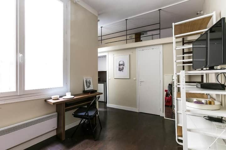 Delightful studio for two in Marais 82768