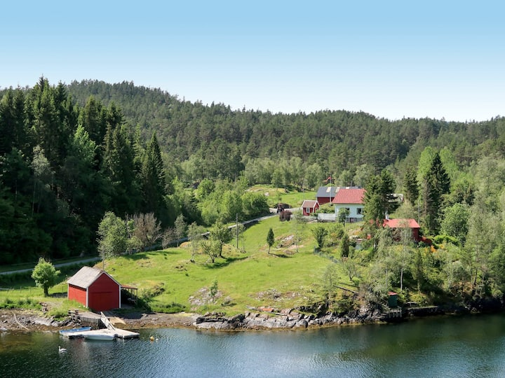 Nystølen (FJH657) for 10 persons.