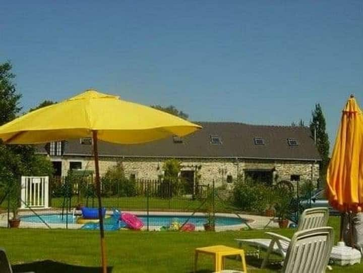 Fantastic gites 1 of 3, with pool in the beautiful Mayenne countryside.