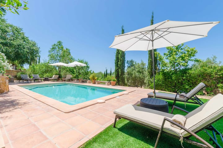 Es Garroveral 3 - quiet villa at the foot of the Tramuntana, for 6 guests