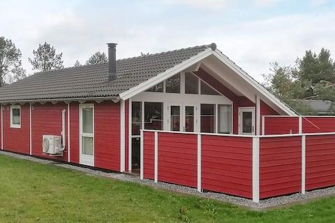 Uroczy dom wakacyjny w Sæby z tarasem