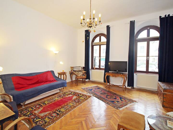 alte Welt for 4 persons.