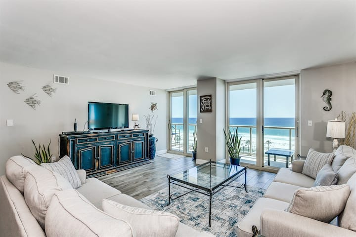 *Great Reviews!* BEACH FRONT 2 Bedroom 2 Bath Condo w/ Pool, Tennis Court