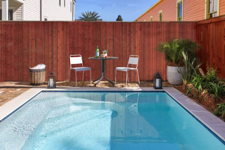 Sunny, Luxury Home with Heated Pool, Near French Quarter