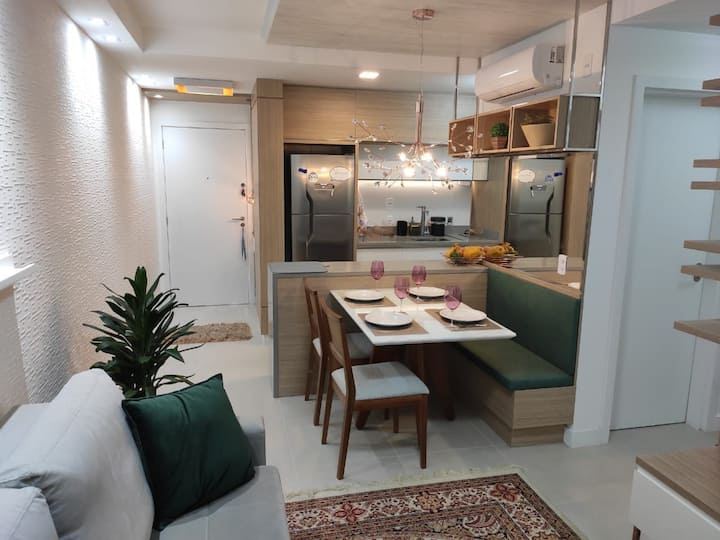 Gourgeus 2 bedrooms apartment in Florianopolis, great location and neighboorhood, pool in the building