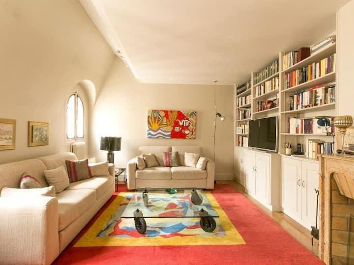 Elegant duplex in Saint Germain des Prés 83004
