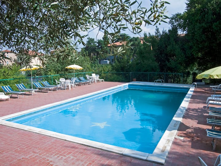 Vacanza L'Olivo (CDL705) for 7 persons.