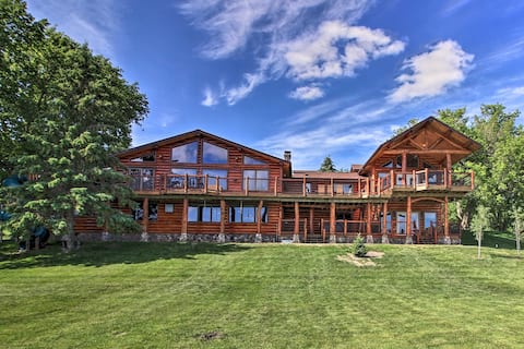 NEW! Secluded Lake Lodge: Luxurious Family Retreat