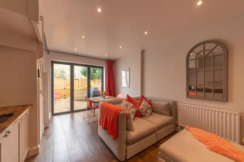 Cotswold Luxury Coach House - ideal for couples, w/ EV charging