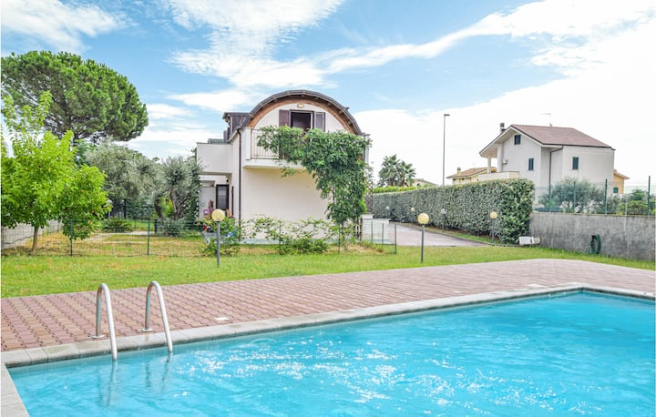 Nice home in Isca Marina with Outdoor swimming pool, WiFi and 2 Bedrooms