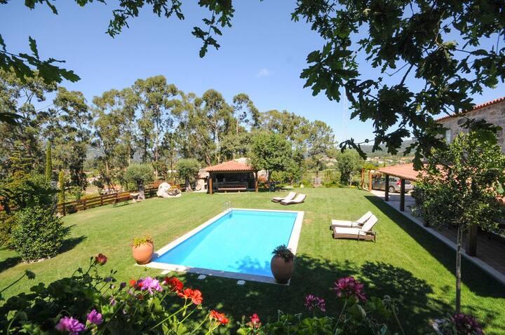 Villa Adelaide at Viana do Castelo