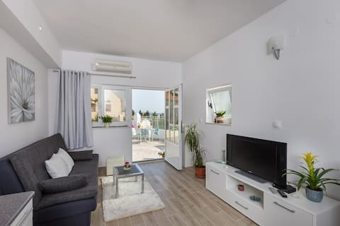 Apartments Blažević - One Bedroom Apartment with Terrace and City View