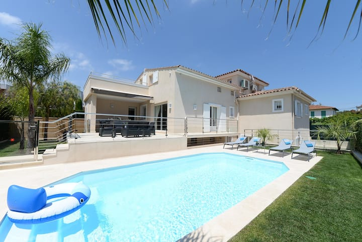 Exquisite 4 bedroom Villa in Cagnes-sur-Mer Q2328