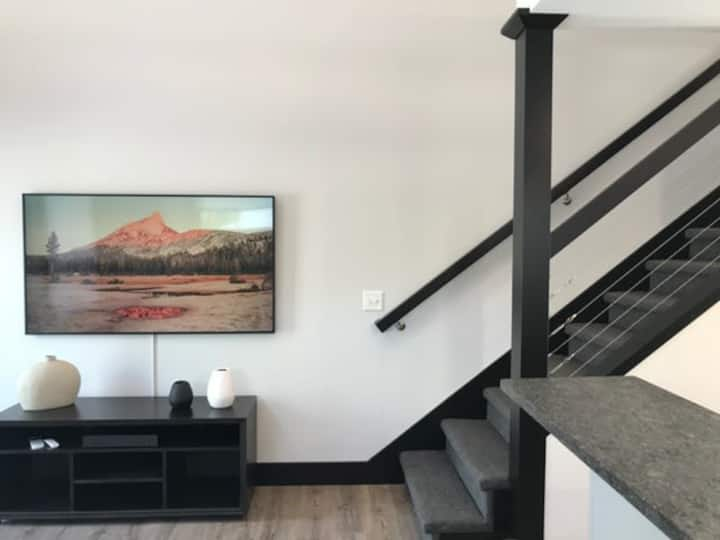 Booking Summer 2021! Work Remotely at Center City Lofts - 508 Unit 3  | Close to Downtown| Sleek Accommodations| TART Trail ★★★★★