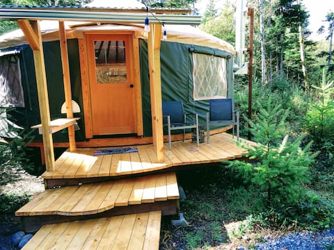 Quiet and peaceful, perfect for couples, pet friendly!, The Huckleberry Yurt