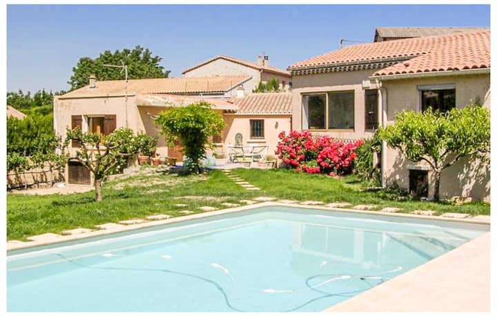 Beautiful home in Mirabel-aux-Baronnies with Outdoor swimming pool, WiFi and 2 Bedrooms
