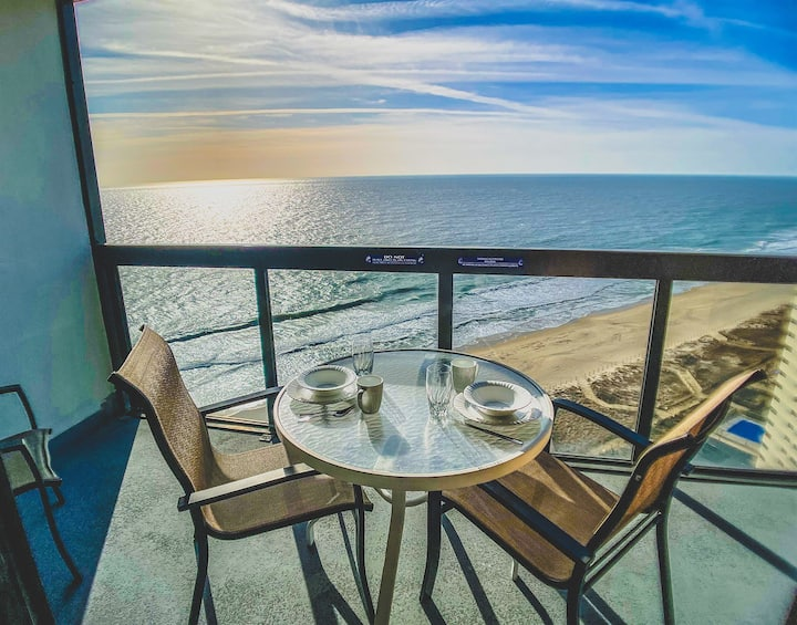 BEST VIEW in Ocean City! Oceanfront Penthouse at the Golden Sands