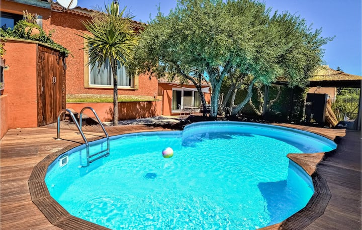 Nice home in Saint-Génies-de-Comola with Outdoor swimming pool, Outdoor swimming pool and 1 Bedrooms