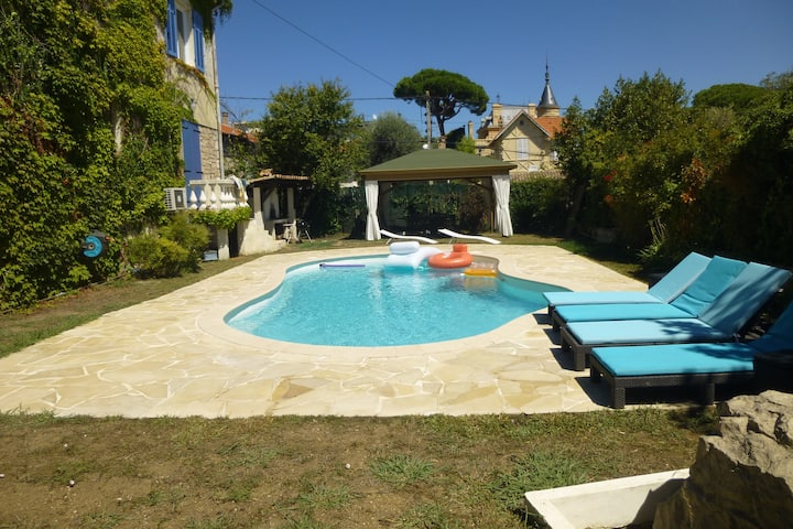 F4 rental in villa with swimming pool in Juan les Pins