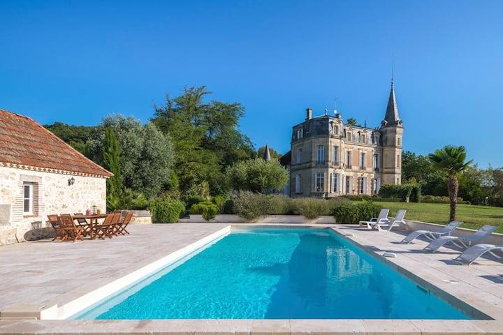 Chateau Romance at Nouvelle-Aquitaine