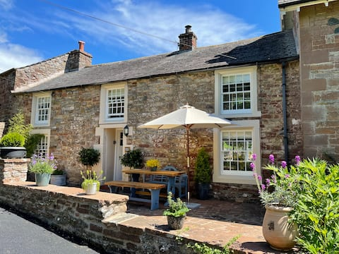 Beautiful Two Bedroom Cumbrian Cottage
