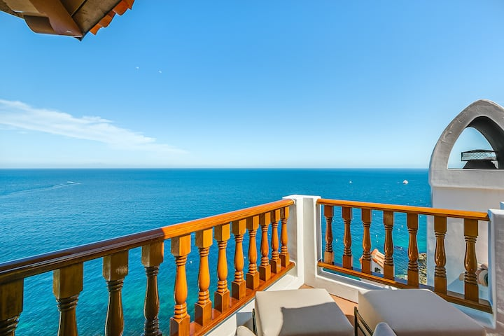 H18-75: Breathtaking Views + Wrap Around Balcony +