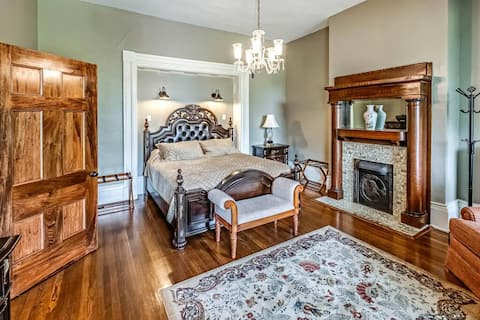 The Litz Mansion Room #3 - The Major Cecil Room