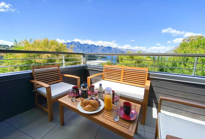 Tekau - Modern holiday apartment with Lake and Mountains view