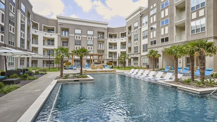 Impressive 2BD condo, professionally-cleaned with self-checkin