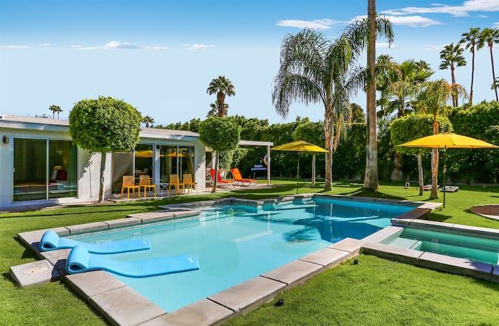 Palm Springs Poolside Retreat