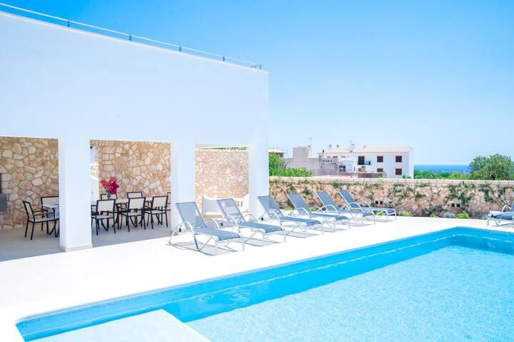 Villa Thanasis at Illes Balears