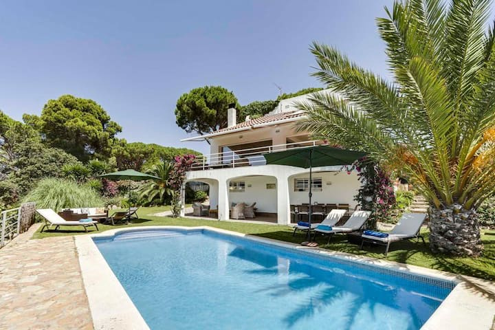 Villa Beatriz at Catalunya