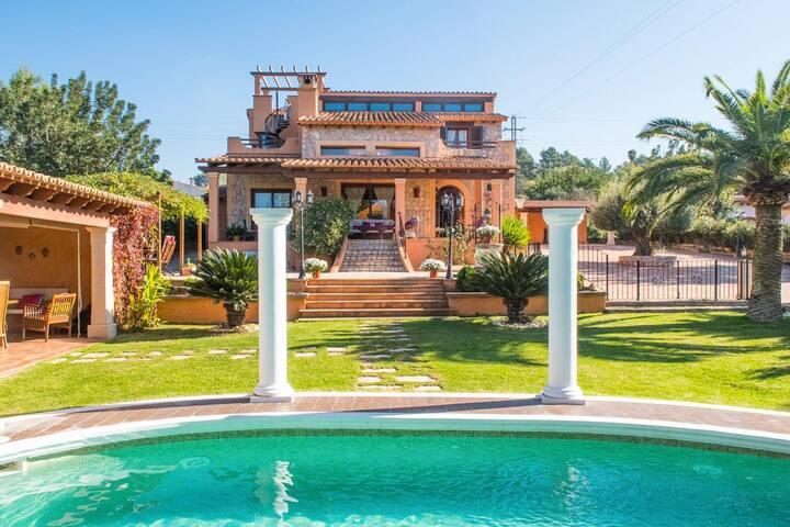 Casa Alzi at Islas Baleares