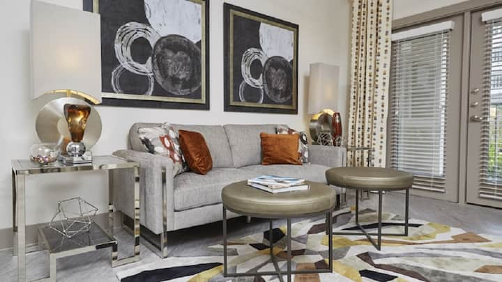 Be charmed with this gorgeous 1BD condo, self-checkin