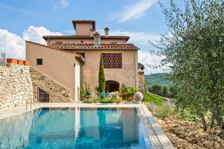 Villa Leopolda at Toscana