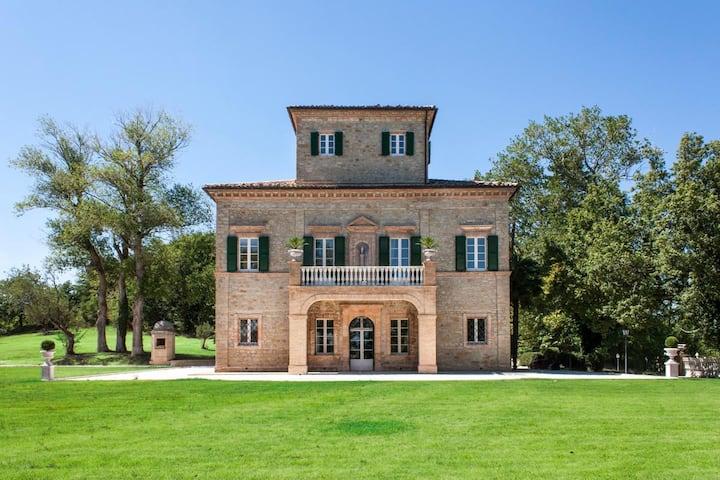 Villa Arum Lily at Marche