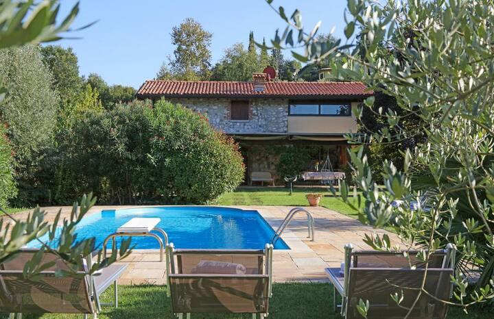 Casa Capra at Lombardia