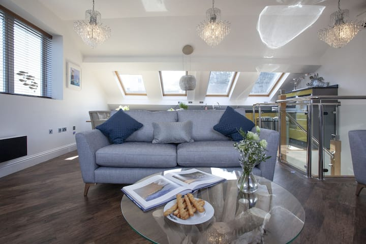 The Penthouse, 15 At The Beach, Torcross