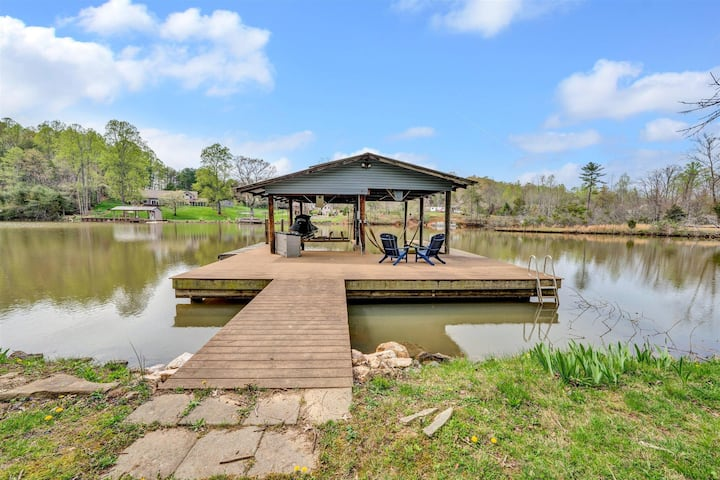 Remodeled Lakefront Home! Pool Table & Great View