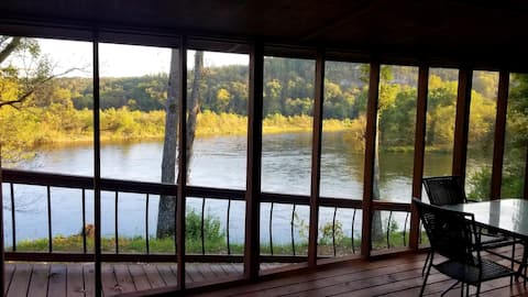 The Rainbow - Cabin 2 -Amazing White River frontage views!