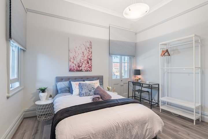 Boutique Private Rm situated in the heart of Burwood2