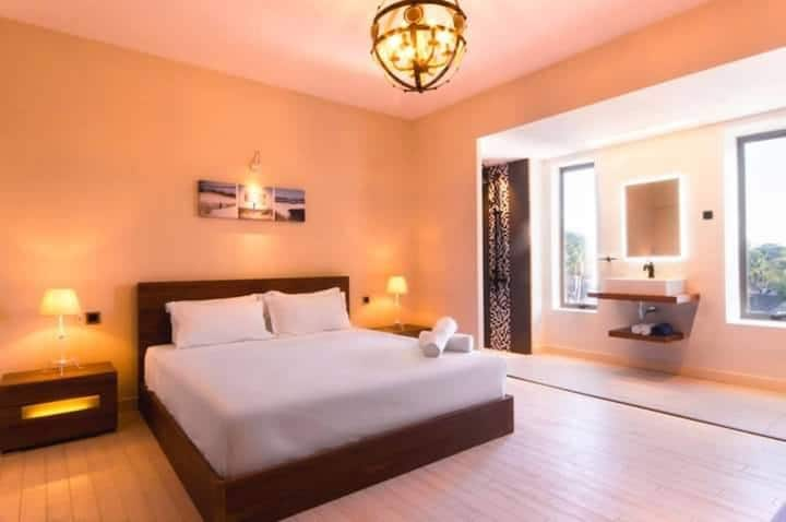 ★ Luxurious Room & Breakfast in front of the sea ★